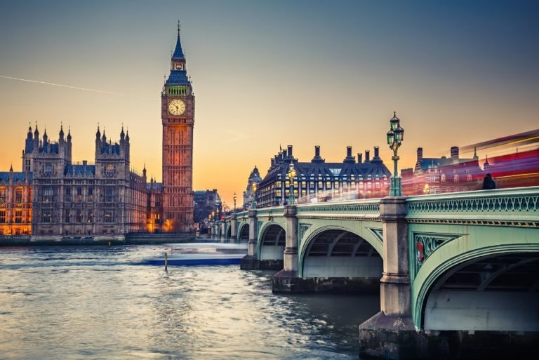 English Language course Mini-stays for high schools in London