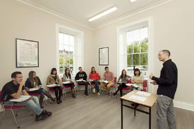 English Language School course in Dublin