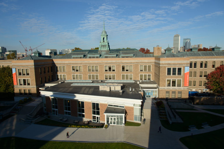 Junior Residential English Summer School Boston Simmons University USA